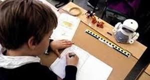 الطفل -تلميذ-مدارس-دراسه-امتحان