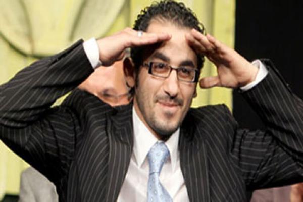 أحمد حلمي يفاجئ مني زكي
