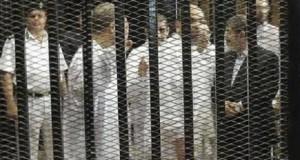 التلفزيون المصري: بدء محاكمة مرسي و131 آخرين في قضية اقتحام السجون