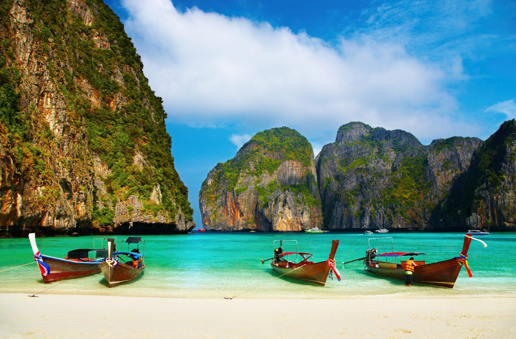 http://www.dreamstime.com/royalty-free-stock-photos-tropical-beach-maya-bay-thailand-image8574588
