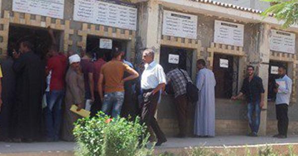 إضراب موظفي مرور كفر صقر للمطالبة بصرف مستحقاتهم المالية
