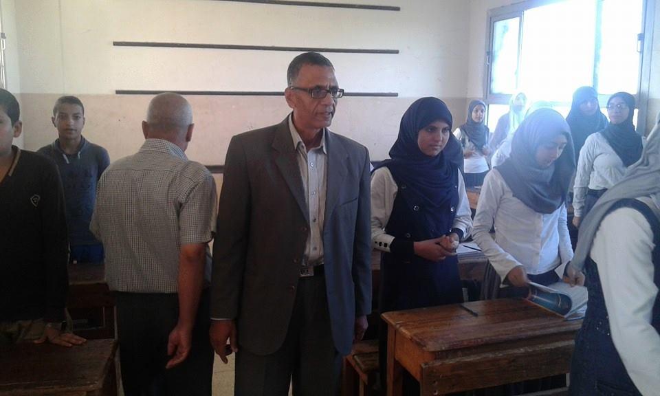 رئيس مدينة ههيا يتفقد مدرسة الزرزمون الإعدادية (1)