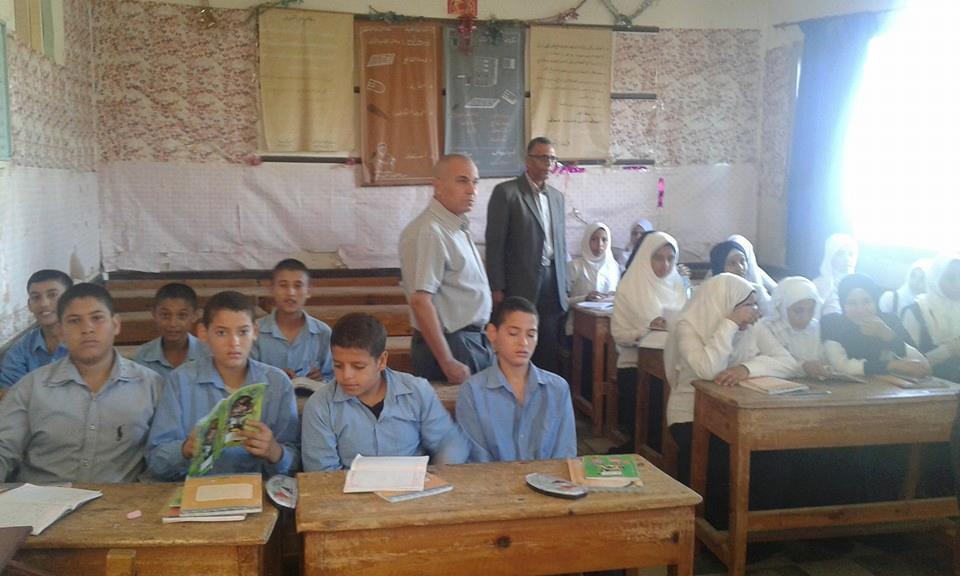 رئيس مدينة ههيا يتفقد مدرسة الزرزمون الإعدادية (3)