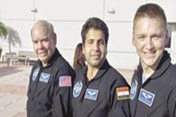 اول رائد فضاء مصرى