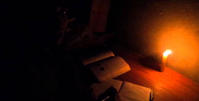 غضب شديد بين أهالي قرية بنايوس بالزقازيق لاستمرار انقطاع الكهرباء