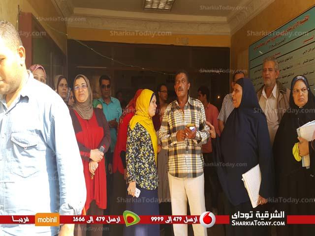 وقفة احتجاجية للعاملين بمديرية الشئون الصحية بالزقازيق (1)