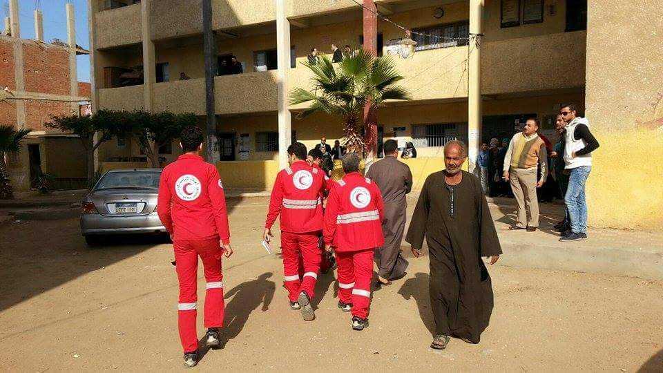 الهلال الأحمر المصري يتفقد عدة لجان بالشرقية (5)