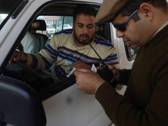 مدير أمن الشرقية يشن حملة مكبرة لضبط السيارات المخالفة و رفع الإشغالات (3)