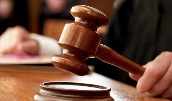 السجن 5 و3 سنوات لأمينى شرطة تسببا فى بتر إصبع مدرس بالشرقية