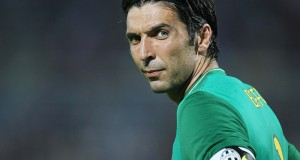 14 august 2009:Buffon of Juventus in action during the Trophy Tim 2009 round match played between Juventus and Inter at Adriatic stadium in Pescara. © Salvatore Giglio/Grazia Neri