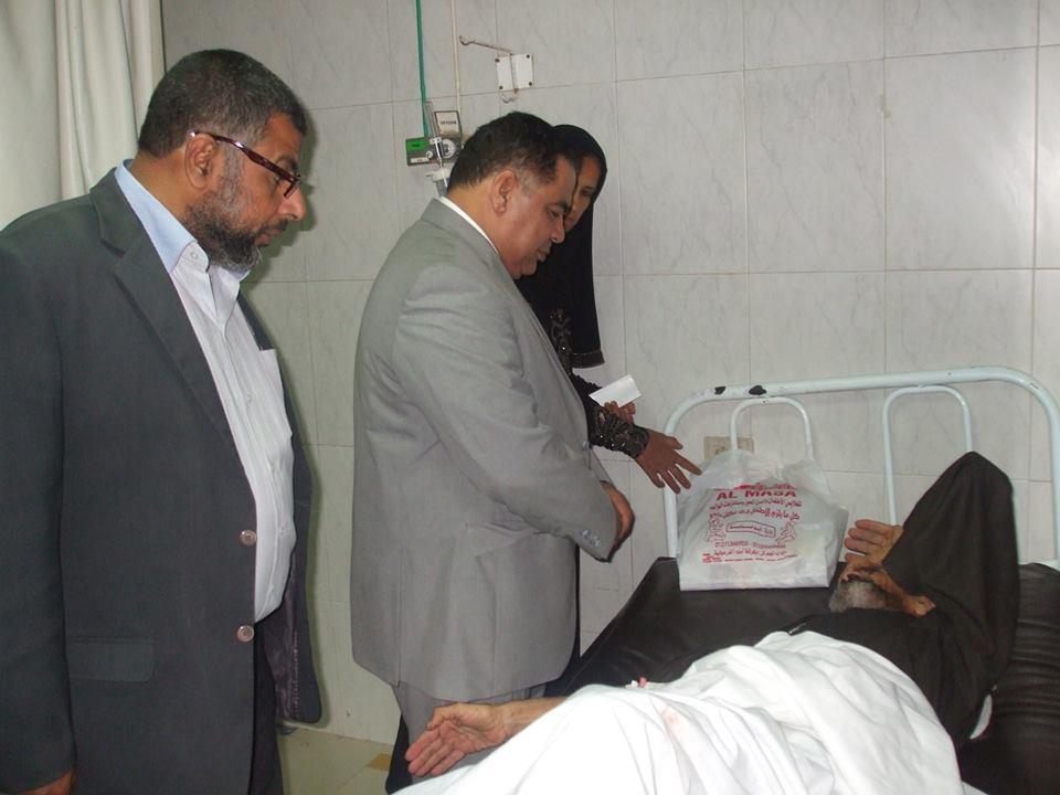 مدير الصحة بالشرقية يشدد علي تفعيل أجهزة التنفس الصناعي بمستشفي ديرب نجم (3)