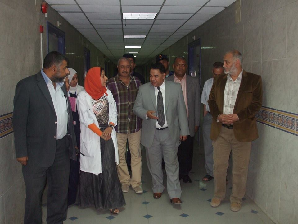 مدير الصحة بالشرقية يشدد علي تفعيل أجهزة التنفس الصناعي بمستشفي ديرب نجم (7)