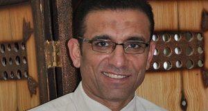 الدكتور صلاح منصر نائب كفر صقر