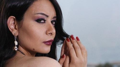 القاء مية النار على ممثلة لبنانية فى رمضان