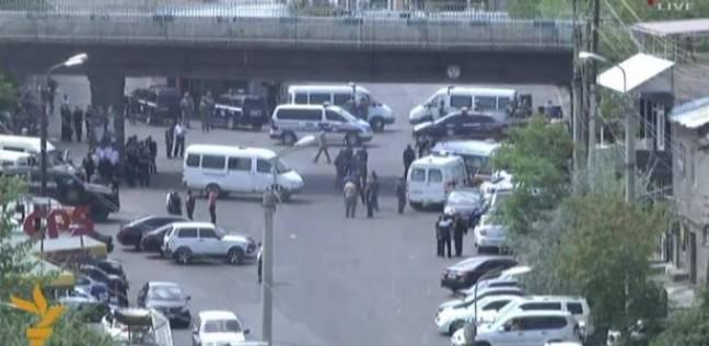 بوادر انقلاب عسكري في أرمينيا بعد اقتحام طيارين بالجيش مراكز الشرطة