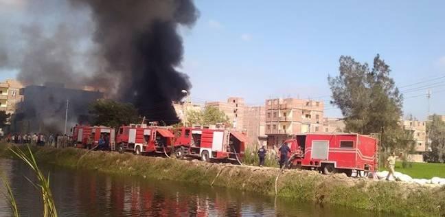 حريق هائل يلتهم أحد مصانع الصوف بكفر الشيخ