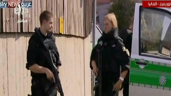 بالفيديو .. انتشار أمني مكثف في ألمانيا عقب انفجار حقيبة