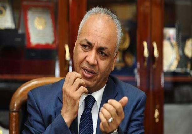 مصطفى بكري يكشف كواليس استقالة وزير التموين ولماذا كتبها بخط يده