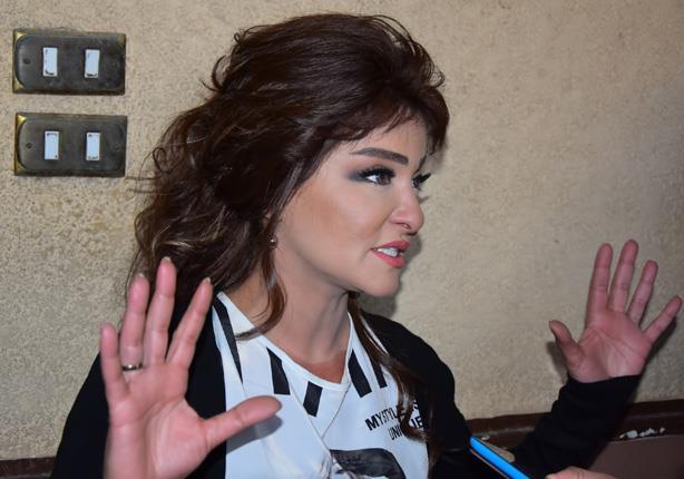 علا غانم تكشف: تعرضت للسرقة أثناء حادثة انقلاب سيارتي