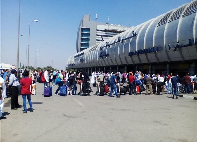 لجنة إنجليزية تراجع إجراءات التأمين بمطار القاهرة