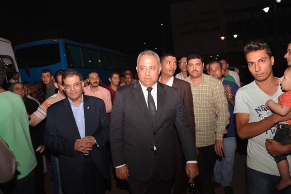 محافظ الشرقية يودع حجاج الجمعيات الأهلية ويطالبهم الدعاء لمصر5