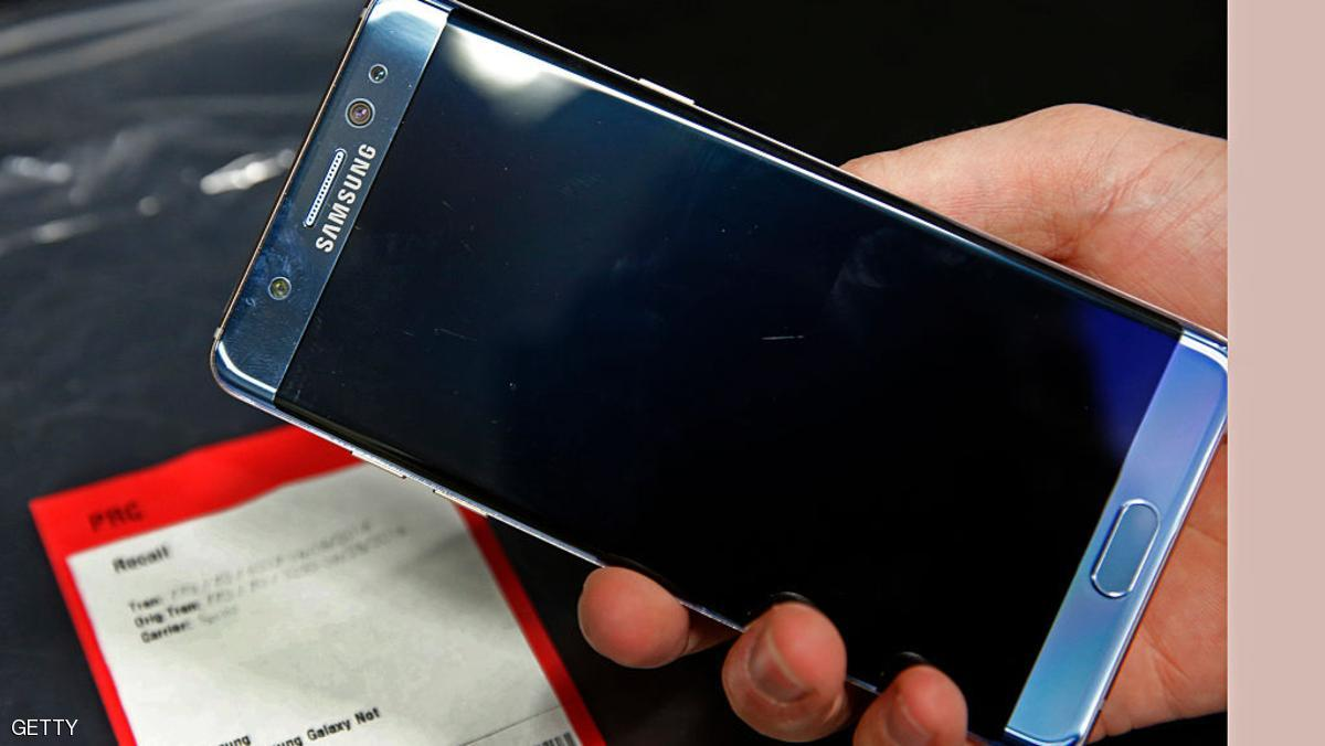 OREM, UT - SEPTEMBER 15: A Samsung Galaxy Note 7 is held up with other Note 7 phones on a counter that were returned to a Best Buy on September 15, 2016 in Orem, Utah. The Consumer Safety Commission announced today a safety recall on Samsung's new Galaxy Note 7 smartphone after users reported that some of the devices caught fire when charging. (Photo by George Frey/Getty Images)