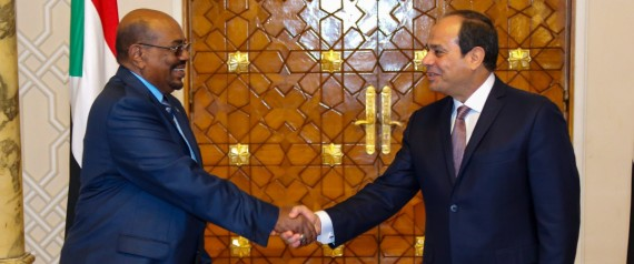 CAIRO, EGYPT - OCTOBER 05 : Egyptian President Abdel-Fattah Al-Sisi (R) shakes hands with Sudanese President Omar al-Bashir (L) before their meeting at Ittihadiya presidential palace in eastern Cairo, Egypt on October 05, 2016. (Photo by Pool / Egypt Presidency Press Office/Anadolu Agency/Getty Images)
