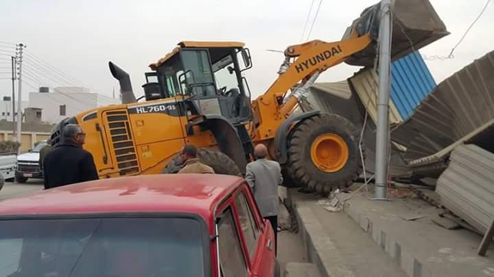 مكبرة لإزالة إشغالات الطرق بالزقازيق 8