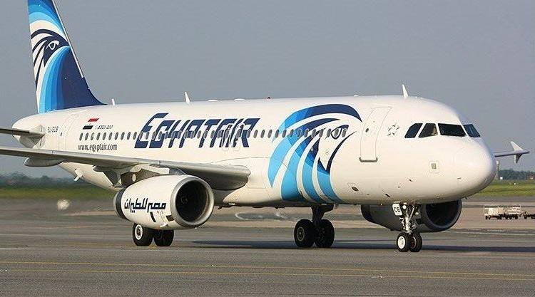 فرنسية«آيفون وزجاجات عطر» وراء سقوط الطائرة المصرية