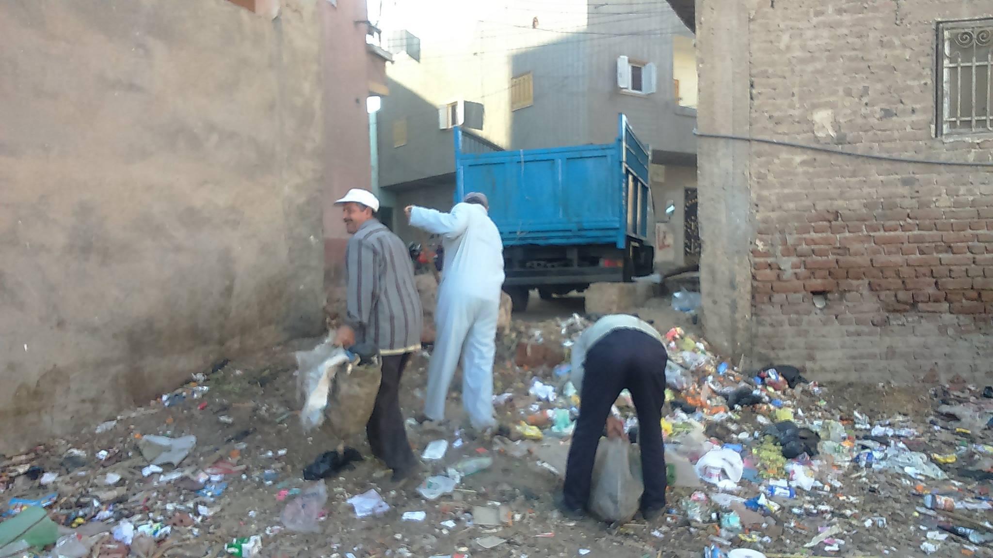 اعمال النظافة والمنتزهات بمدينة فاقوس