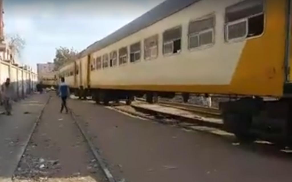 .. خروج قطار «السماعنة» عن قضبانه بمحطة فاقوس 1