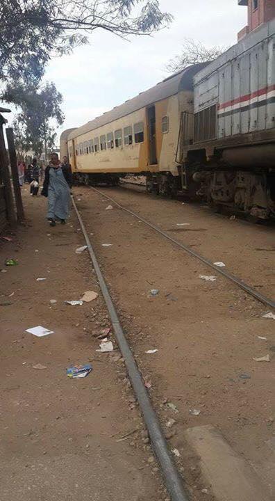 .. خروج قطار «السماعنة» عن قضبانه بمحطة فاقوس 2