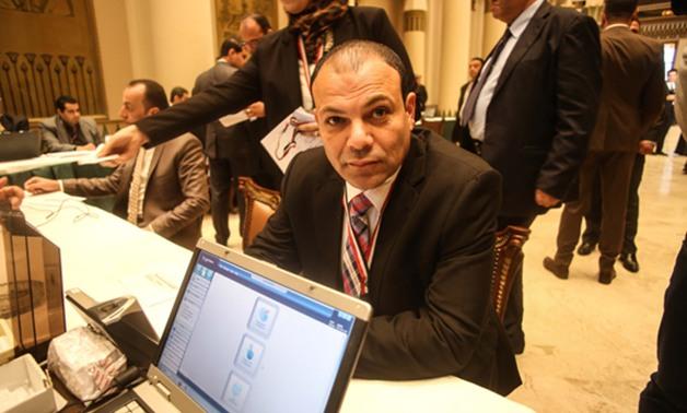«عبدالله لاشين» يحصل على موافقة لإنشاء كوبري مشاة بأبوكبير