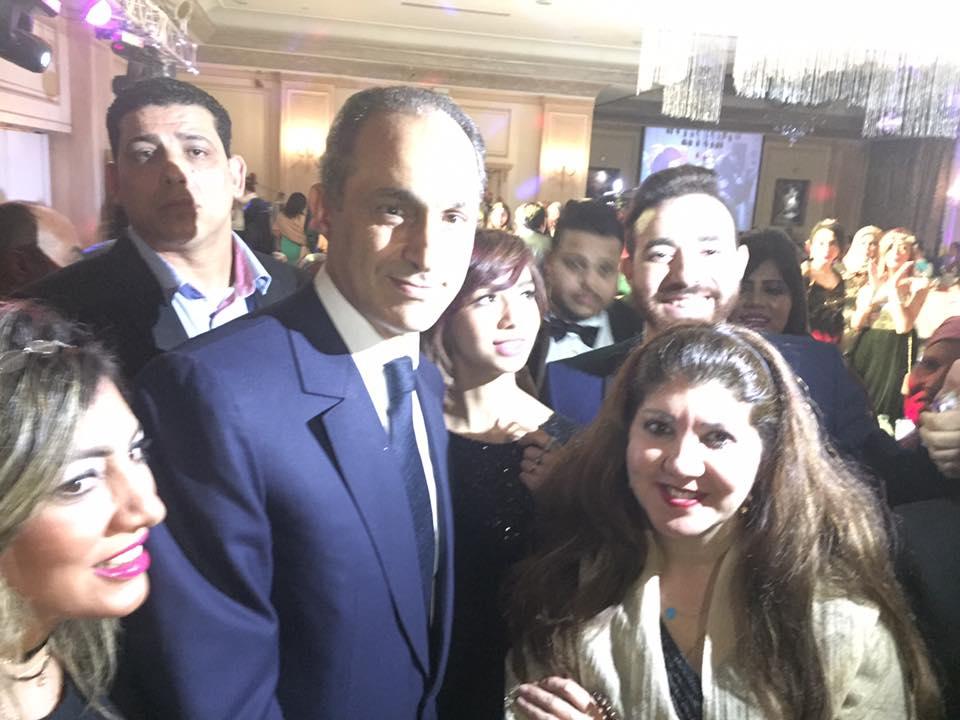 مبارك في حفل زفاف أدمن «آسف ياريس»