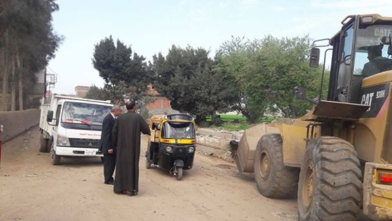 تفقدية لرئيس مدينة الحسينية لمتابعة أعمال النظافة علي الطبيعة 1
