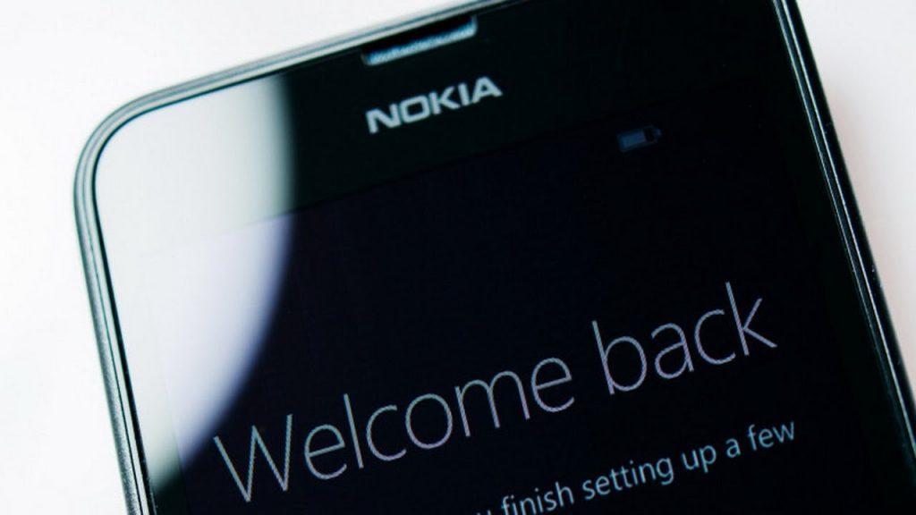 تكشف عن هواتف جديدة تعمل بـ «بصمة» الأصبع