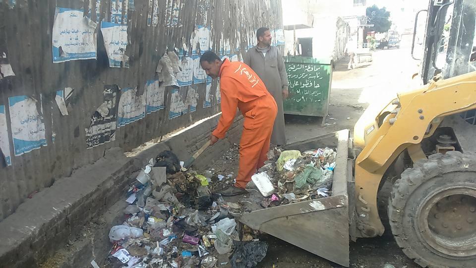 أعمال النظافة والمنتزهات بمدينة فاقوس3