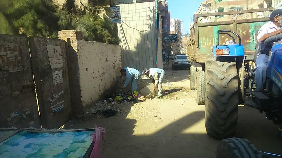 .. استمرار حملات النظافة بشوارع فاقوس 2