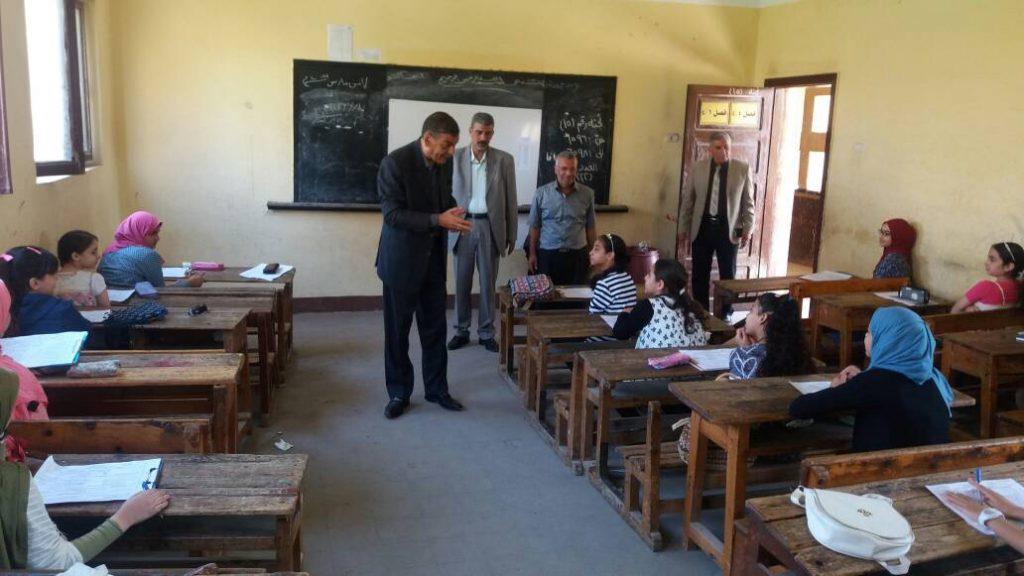 يختتم جولاته الميدانية لمتابعة أعمال امتحانات الشهادة الابتدائية بمنيا القمح 2