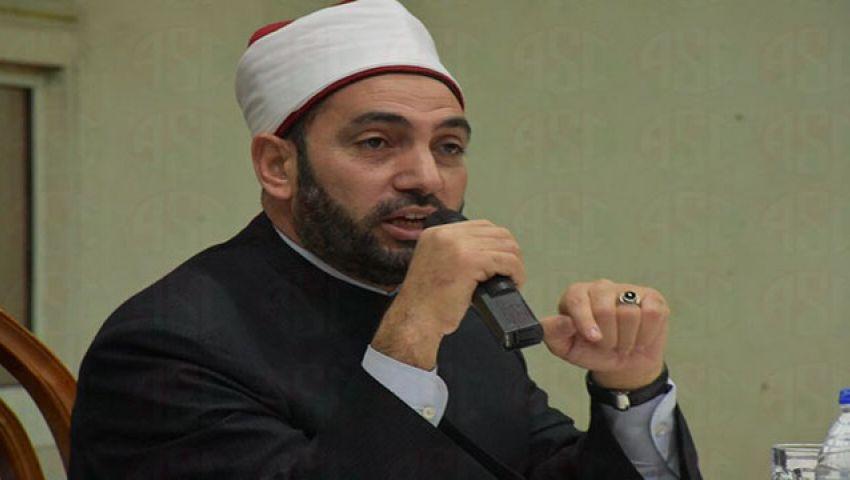 .. سالم عبد الجليل يعتذر على الهواء للأقباط