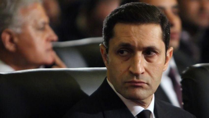 ظهور علاء مبارك فى مقبرة ابنه بعد أيام من مباراة الطاولة بأمبابة