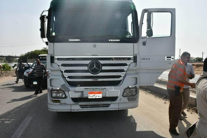 الشرقية يضبط سيارتين عكس الاتجاه بطريق «الزقازيق أبو حماد» 2