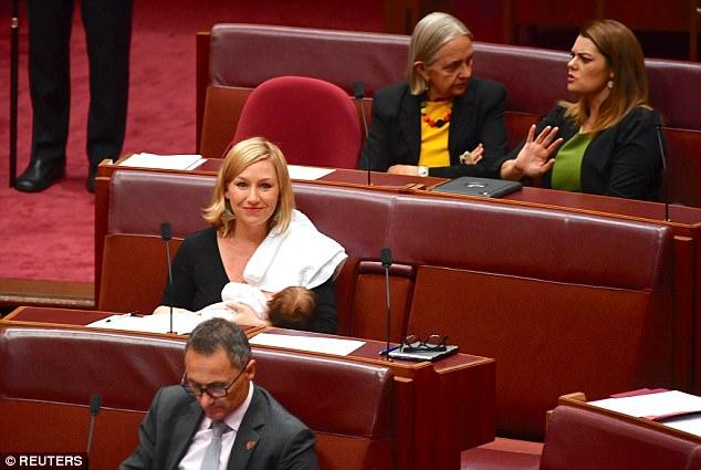 3بالصور .. أول نائبة ترضع صغيرتها داخل جلسات البرلمان