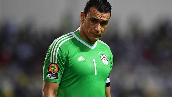 .. رد فعل الحضري بعد رؤية ميكروفون Bein Sports في المؤتمر الصحفي بعد مباراة مصر