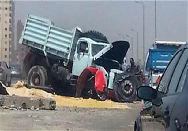 طالب وإصابة عمه في حادث تصادم سيارتين نقل ببلبيس
