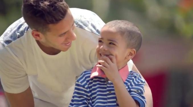10بالفيديو .. نجوم الفن والكرة يشاركون في إعلان لدعم مرضى السرطان و مستشفى 500 500