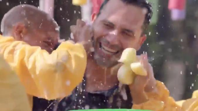12بالفيديو .. نجوم الفن والكرة يشاركون في إعلان لدعم مرضى السرطان و مستشفى 500 500