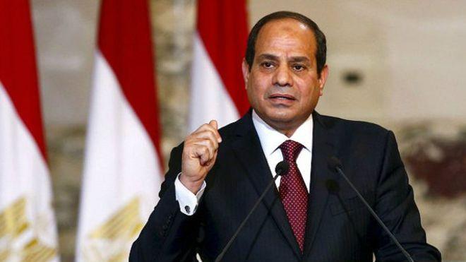 يجتمع بقائد المنطقة الشمالية ويوجه بإنشاء محور مرورى جديد بالإسكندرية