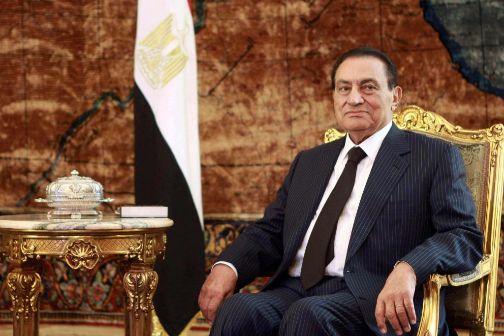 حسني مبارك ينضم لفريق الناشئين بالأهلي
