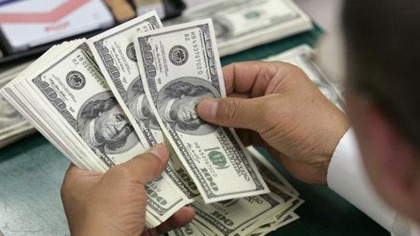 الدولار في 8 بنوك خلال تعاملات اليوم